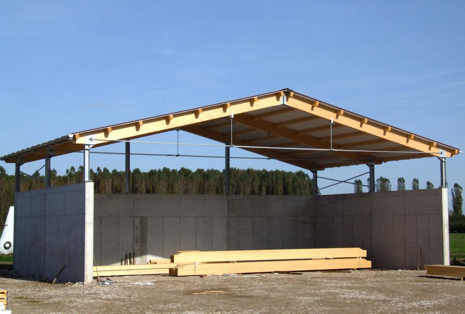 Capannoni prefabbricati in legno terminali antivento per for Prefabbricati in legno