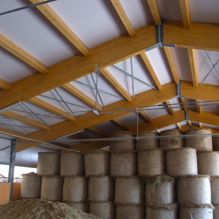 Capannoni-prefabbricati-in-legno-lamellare-4